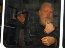 """""""Se fui capturado, qualquer jornalista pode ser detido por fazer seu trabalho"""", diz Assange"""
