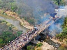 Governo venezuelano desmente que militares tenham queimado caminhão com alimentos