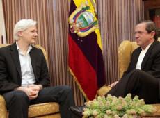 A implacável perseguição internacional aos defensores e protetores de Julian Assange