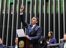 Por que ninguém denuncia que Bolsonaro só chegou ao poder por meio de fraude eleitoral?