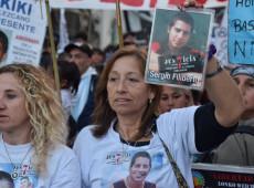 """""""Gatilho fácil"""": governo argentino autoriza polícia a atirar pelas costas"""