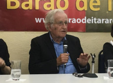 """""""Estados Unidos já não têm força para uma invasão militar na Venezuela"""", diz Noam Chomsky"""