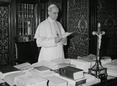 Papa Francisco ordena abertura dos polêmicos arquivos secretos do papa Pio XII