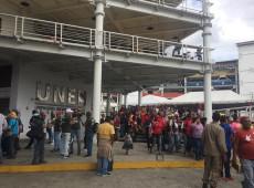 Congresso Bolivariano dos Povos reúne venezuelanos para discutir saída para crise