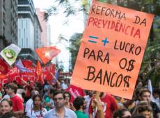 Objetivo da reforma da Previdência é beneficiar apenas as empresas, diz Bresser-Pereira