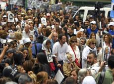 Multidão de argentinos ocupa as ruas em defesa da memória, da verdade e da justiça