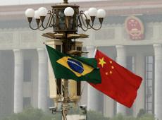 Objetivo geopolítico dos EUA é expulsar a China do Brasil e enfraquecer o BRICs