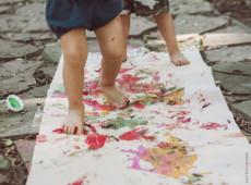 A infância descalça: sociedades estão naturalizando a miséria infantil