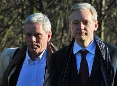 Caso Assange detona intenso debate sobre o futuro da liberdade de imprensa e de expressão