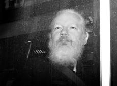 Encarcerado em Londres, Assange apela, em carta, por campanha contra extradição