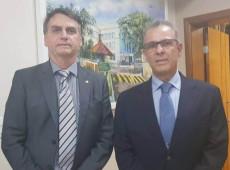 Carnaval: Ministro anuncia abertura de terras indígenas para mineração a estrangeiros