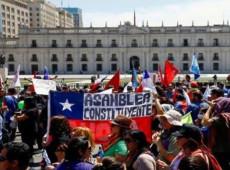 Quarta semana de protestos no Chile começa com chamado à greve geral
