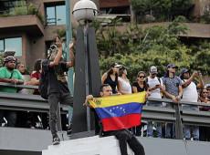 Jornalista estadunidense denuncia mentiras criadas pela imprensa para atacar a Venezuela
