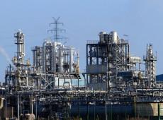 Enquanto indústrias brasileiras são destruídas, capital financeiro ignora mercado interno