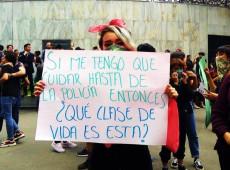 As mexicanas e a purpurina como arma de guerra: #NãoNosCuidamNosEstupram