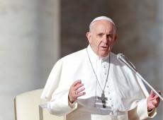 """Papa Francisco adverte: """"palavras são poderosas, com elas se faz uma guerra"""""""