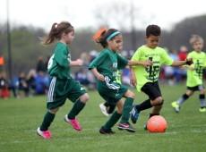Dos campos às cabines de TV: as meninas também jogam (e entendem de) futebol