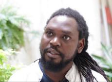 Jornalista moçambicano relata situação do país devastado pelo ciclone Idai